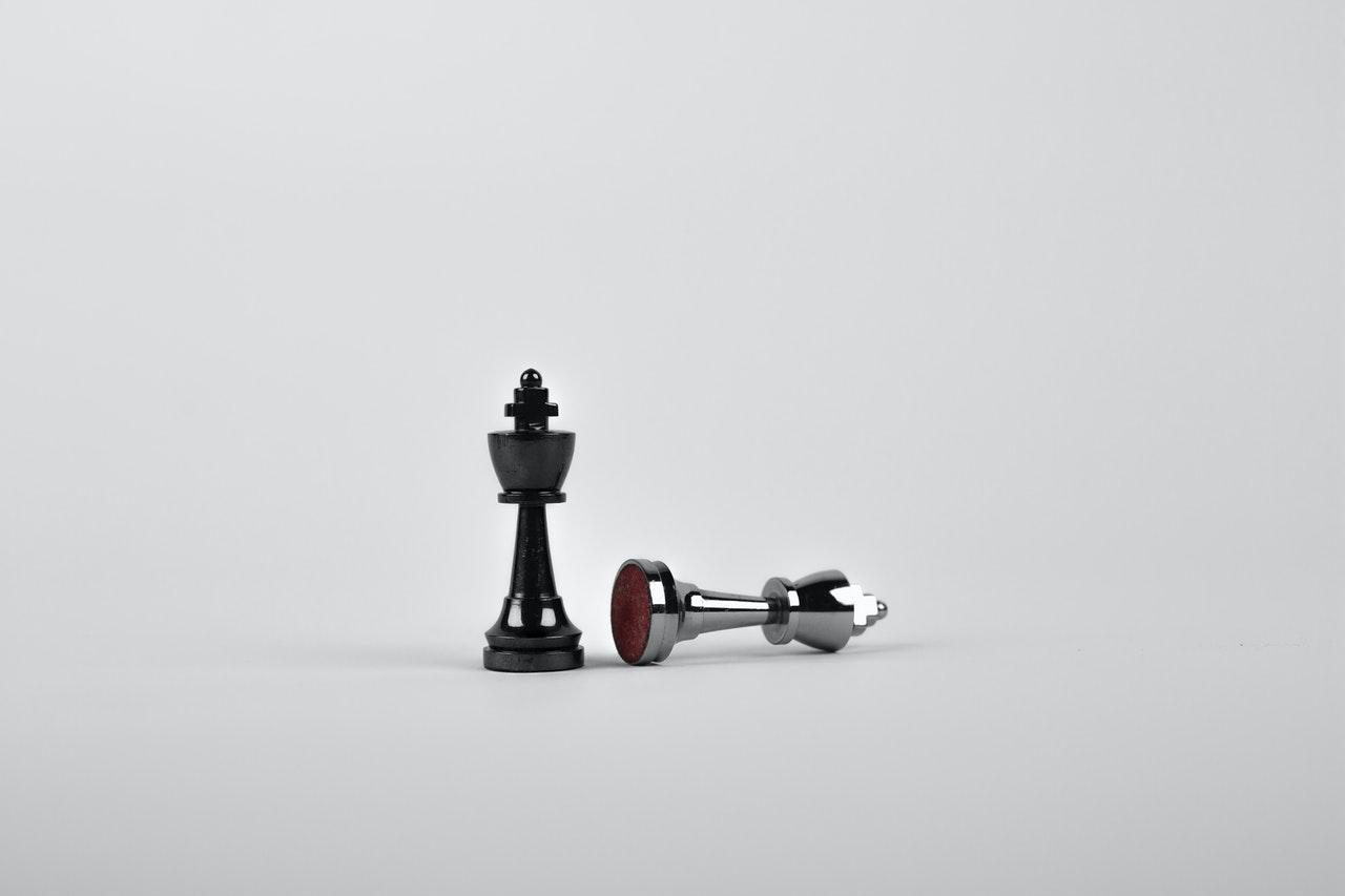 battle-black-board-game-chess-411207